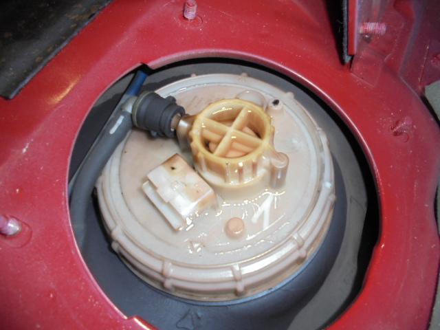 アルファ156 燃料ポンプ漏れ