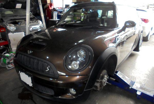 BMWミニクラブマン ブレーキパッド交換