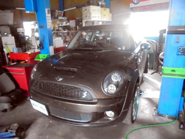 BMWミニ クラブマン マフラー交換