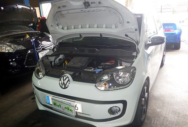 VW Up! エンジン不動 CPU交換
