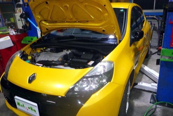 ルノー ルーテシア RS エンジンオイル交換&エアコンガス補充