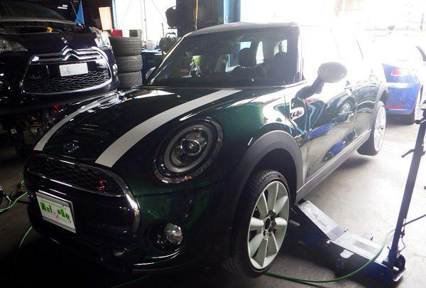 BMWミニ ブレーキパッド交換