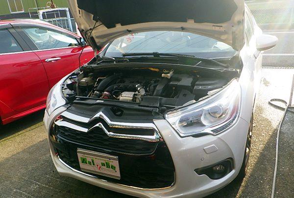 シトロエン DS4 エアコンガス補充&エンジンオイル交換